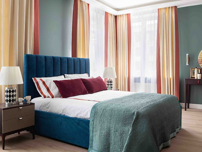 Кровать двуспальная с мягким изголовьем SOFT-002